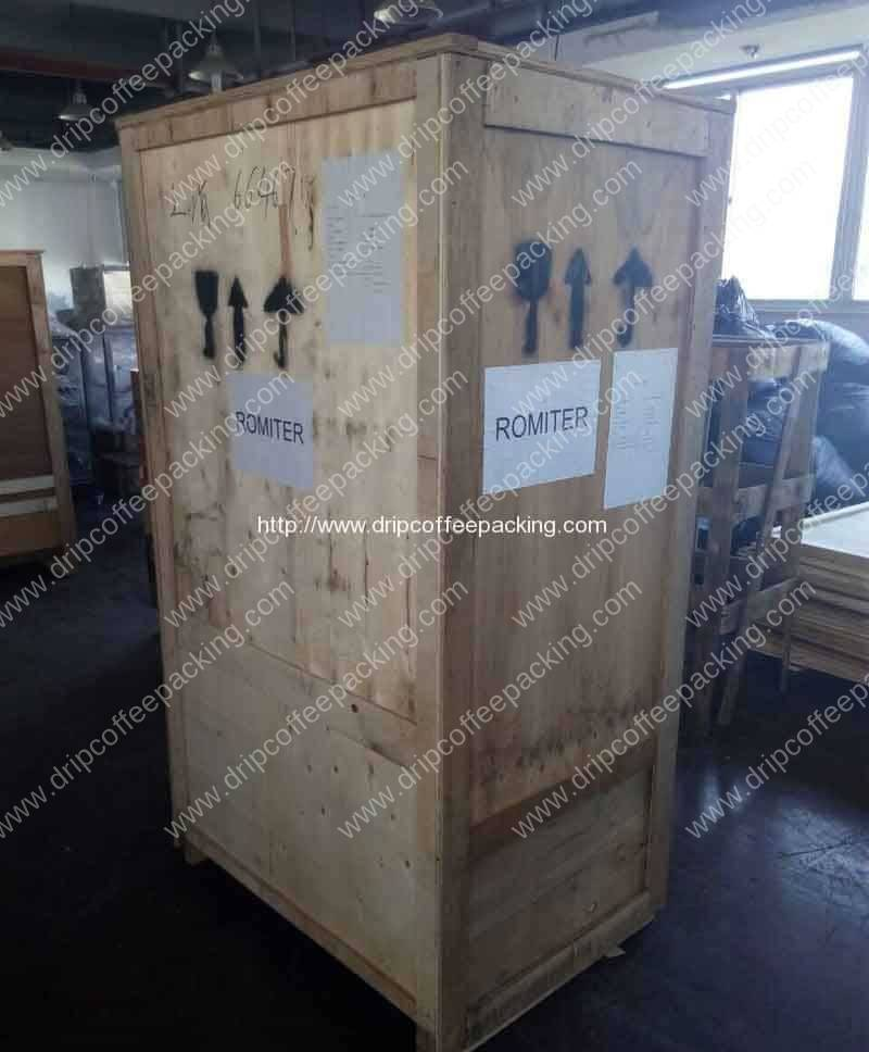 Automatic-Pyramid-Tea-Bag-Packing-Machine-Ply-Wood-Package-Delivery-for-UK-Customer